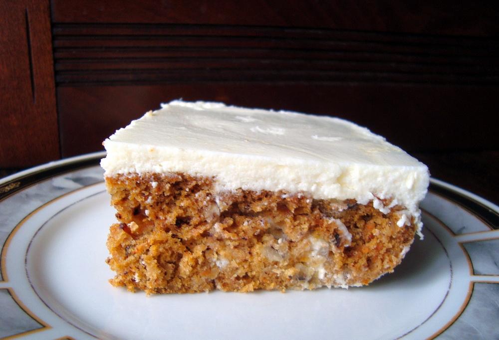 morkovnyj-tort-s-kremom-zhele